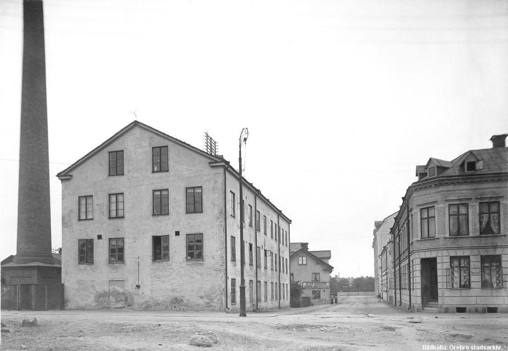 Fredsgatan mot väster från Klostergatan. 1903 / Foto; Örebro Stadarkiv, Åke Barr / Bildnr; HB-047
